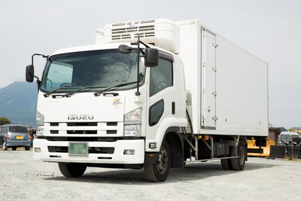 東北圏の食品の配送ならサンライズ産業 冷凍冷蔵車