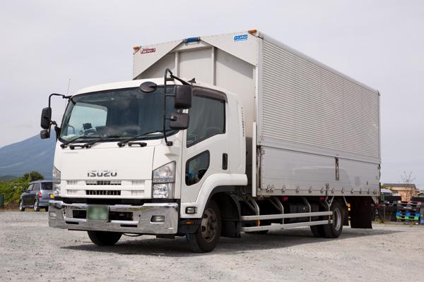 タイヤなどの工業製品や家具の配送ならサンライズ産業 ドライウィング車